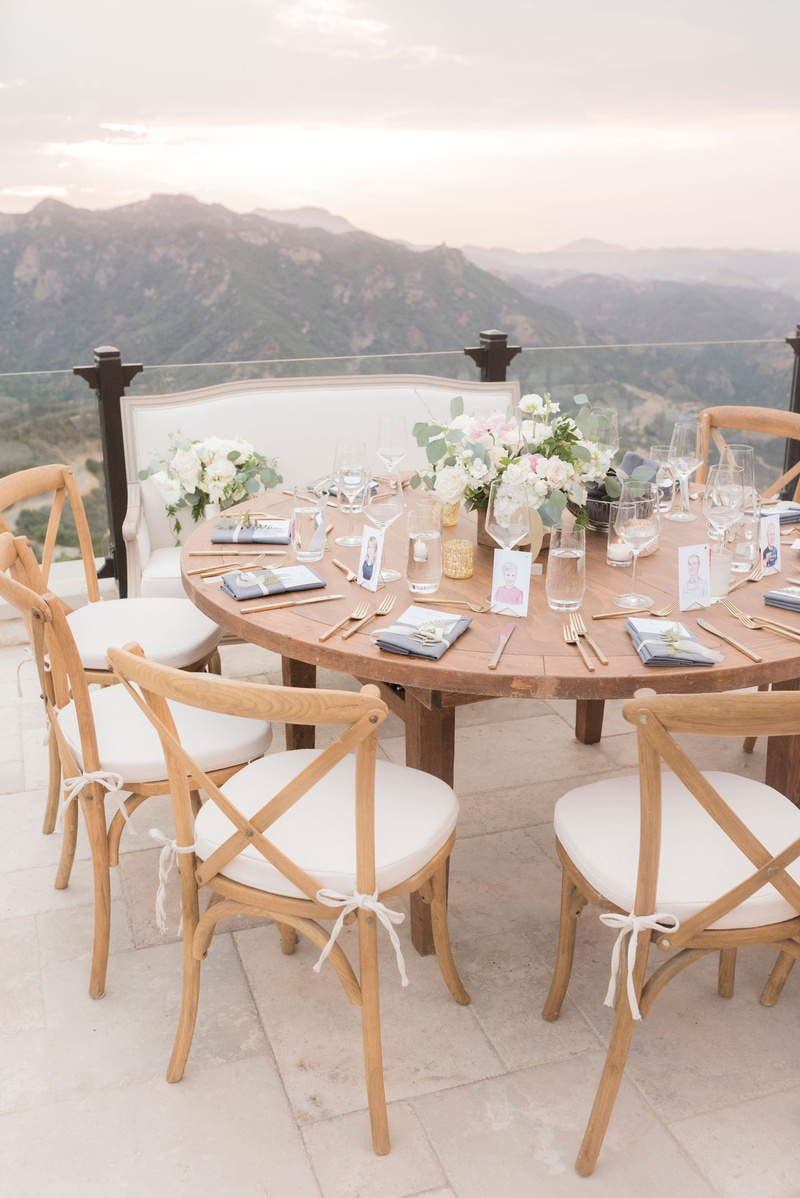 Reception Décor Photos Round Wood Table With Pretty View Inside