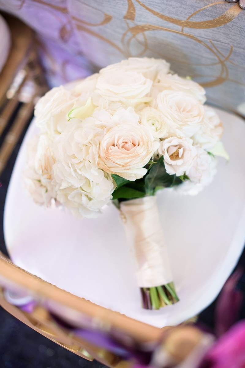 classic bridal bouquet with cream roses and hydrangeas