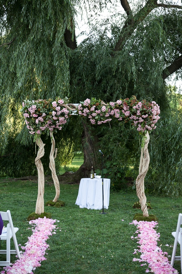 ceremony d cor photos garden wedding chuppah inside weddings. Black Bedroom Furniture Sets. Home Design Ideas