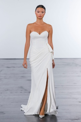 Dennis Basso for Kleinfeld 2018 collection wedding dress strapless sweetheart neckline high slit