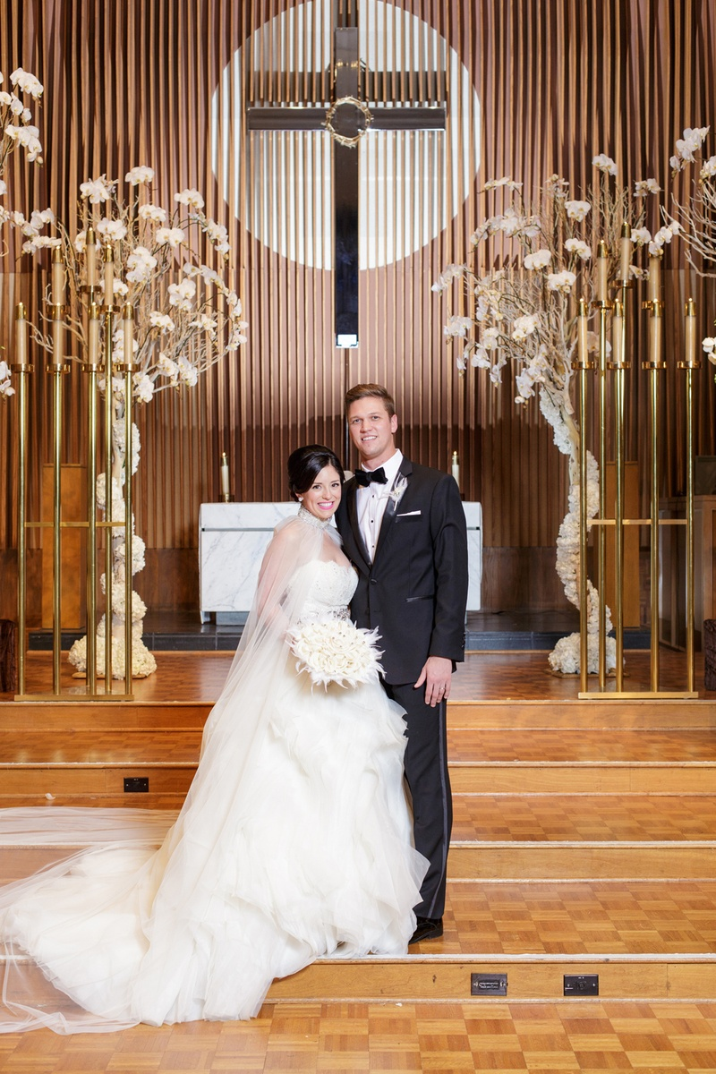 Glamorous New Year's Eve Wedding at a Science Museum in Dallas ...