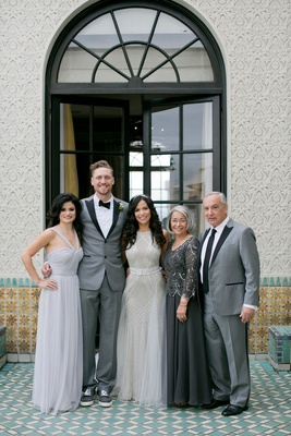 Wedding photos Alexis Cozombolidis with her sister and parents mother father and Hunter Pence