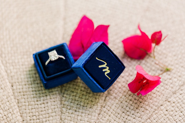 wedding jewelry engagement ring solitaire style in navy blue mrs box velvet ring box