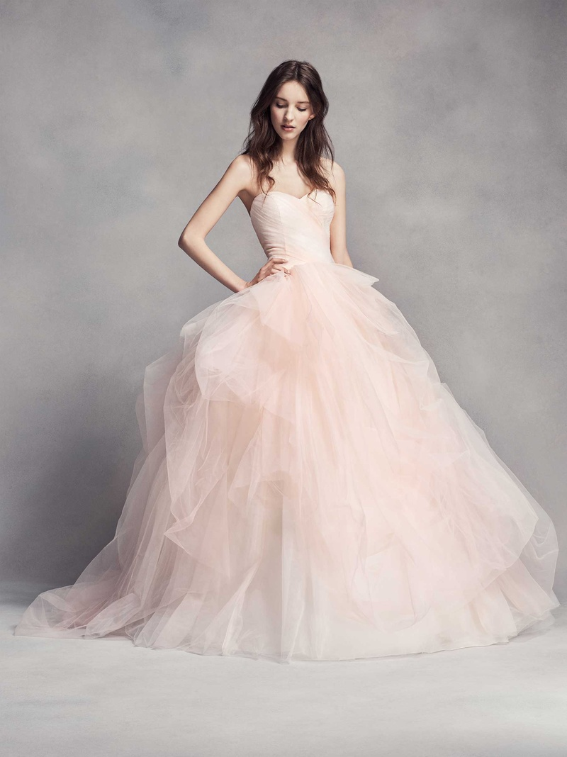 Classic wedding dresses with modern details by white by vera wang white by vera wang fall 2016 wedding dress tulle ball gown in light pink blush strapless junglespirit