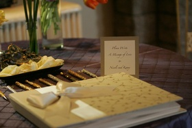 Sparkling pen display and guestbook card