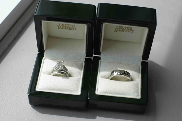 Lester Lampert wedding rings in black boxes with white velvet
