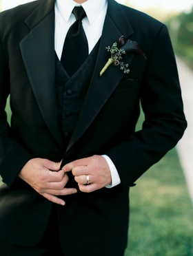Groomsman suit with midnight black calla lilies