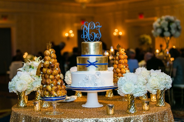 navy blue gold and white wedding cake a blue white amp gold wedding at duke 17768