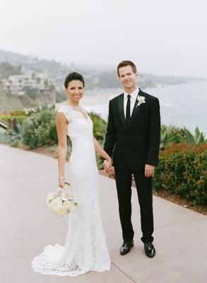 Monique Lhuillier bridal gown and ivory bouquet
