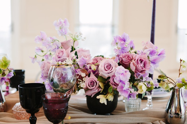 floral centerpieces, pink roses with lavender sweet peas