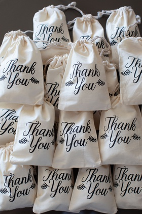 wedding favor bags draw string with thank you calligraphy script and foliage motif favors ideas