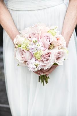 soft bridesmaids bouquet, pale pink roses, pale peach roses