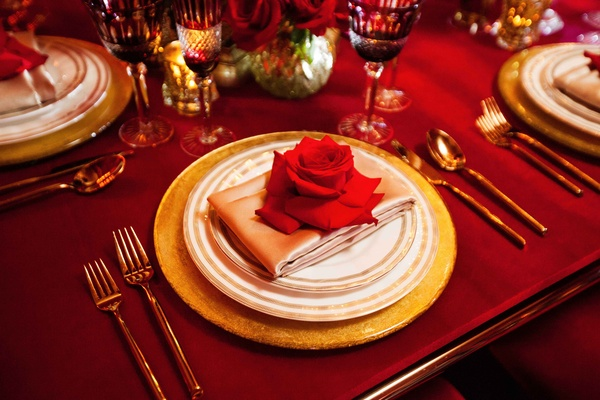 ... gold and white place setting with rose ... & Dramatic Red Shoot Inspired by Disneyu0027s Beauty and the Beast ...