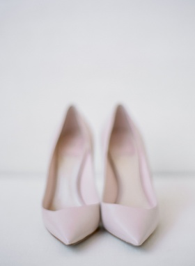 christian dior pale pink pumps with a pointed toe
