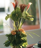 Floral centerpiece with calla lily blossoms