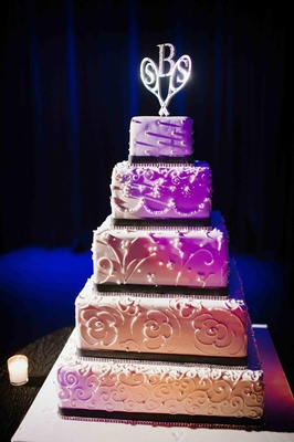 The Cake Boss platform pyramid wedding cake
