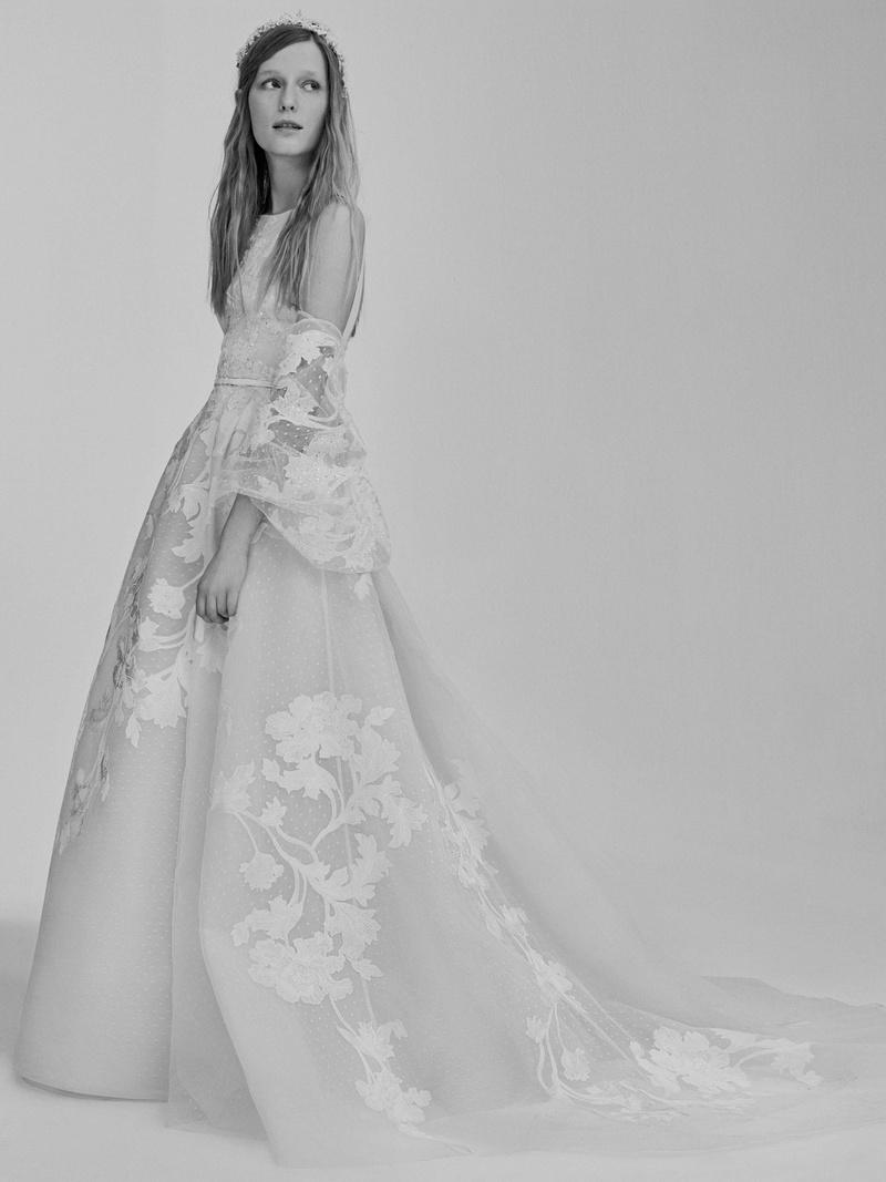 Wedding dresses photos look 15 by elie saab spring 2017 for Elie saab wedding dresses 2017