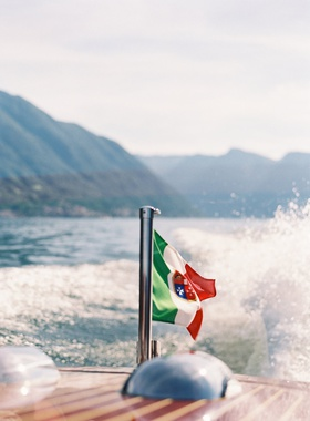 Lake Como wedding transportation boat classic wooden boat italian wedding ideas destination