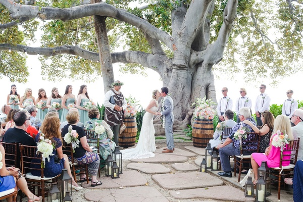 olowalu plantation house wedding, ceremony under banyan tree