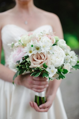bridal bouquet with blush roses and white peonies, ivy greenery