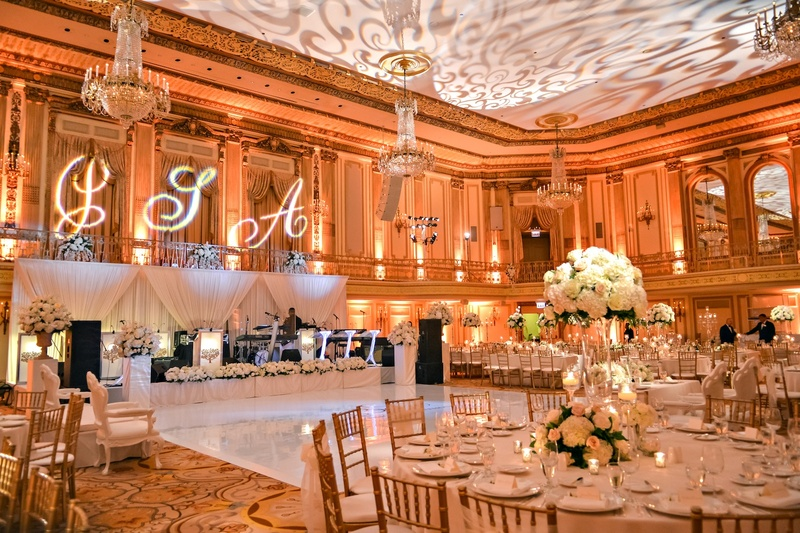 Reception d cor photos gold ballroom reception d cor for Hotel wedding decor
