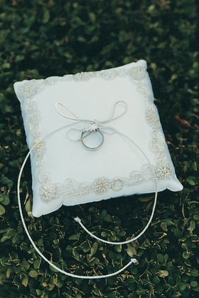 Gold or silver embroidered pillow for rings