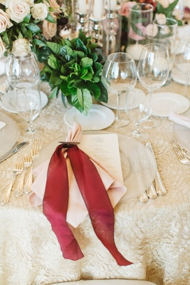 clear charger places red bow pink napkin setting reception table classic champagne colored wedding