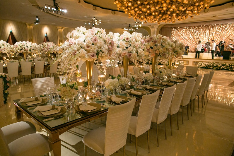Reception Décor Photos - Sparkling Band Stage & Mirror Table ...