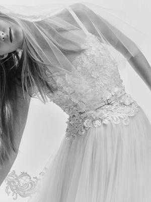 Modern Wedding Dresses from Elie Saab Bridal Spring 2017 - Inside ...
