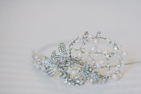 Bridal headpiece with crystals, diamonds, and pearls