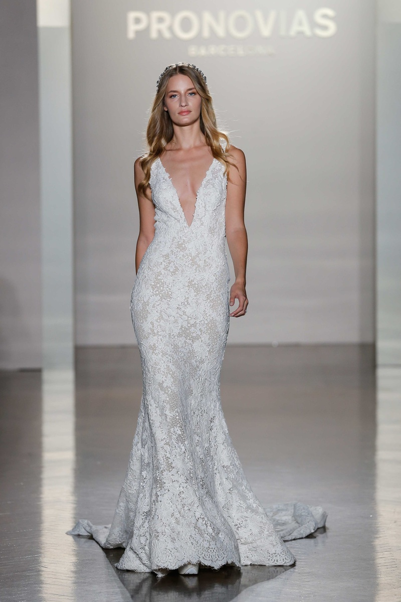 Bridal Week: Bridal Gowns Inspired by Night Sky from Atelier ...
