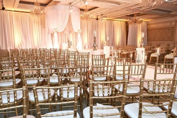 four seasons chicago wedding, gold chiavari chairs
