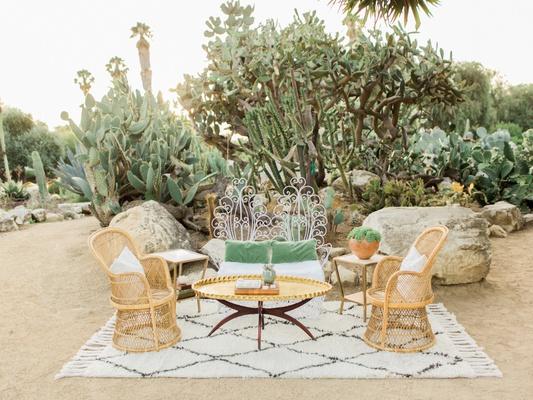 desert wedding inspiration, vintage lounge area, moroccan rug