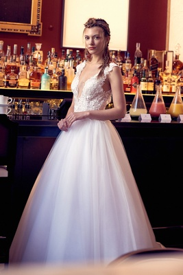 Isabelle Armstrong fall 2018 wedding dress Nieves ball gown tulle skirt embroidery bodice plunging