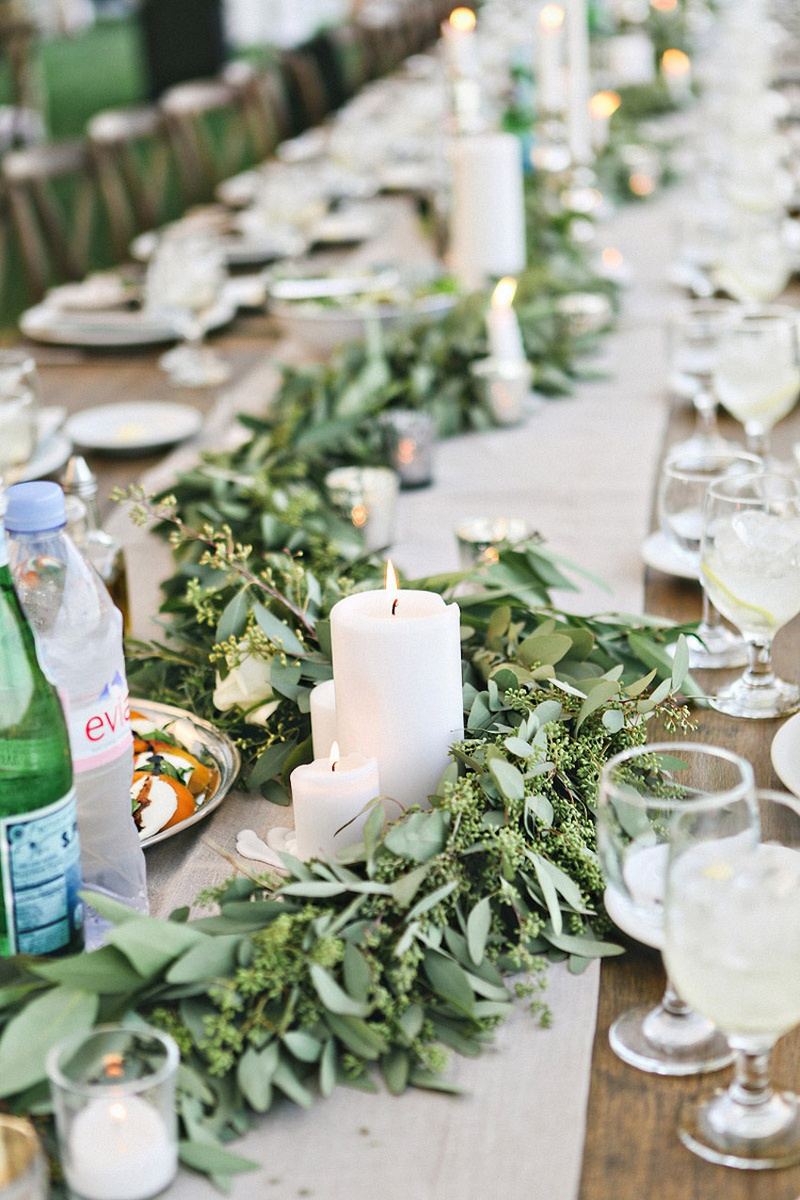 Reception D 233 Cor Photos Green Garlands Amp Candles Inside