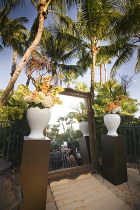 Large mirror instead of flower arch at ceremony altar