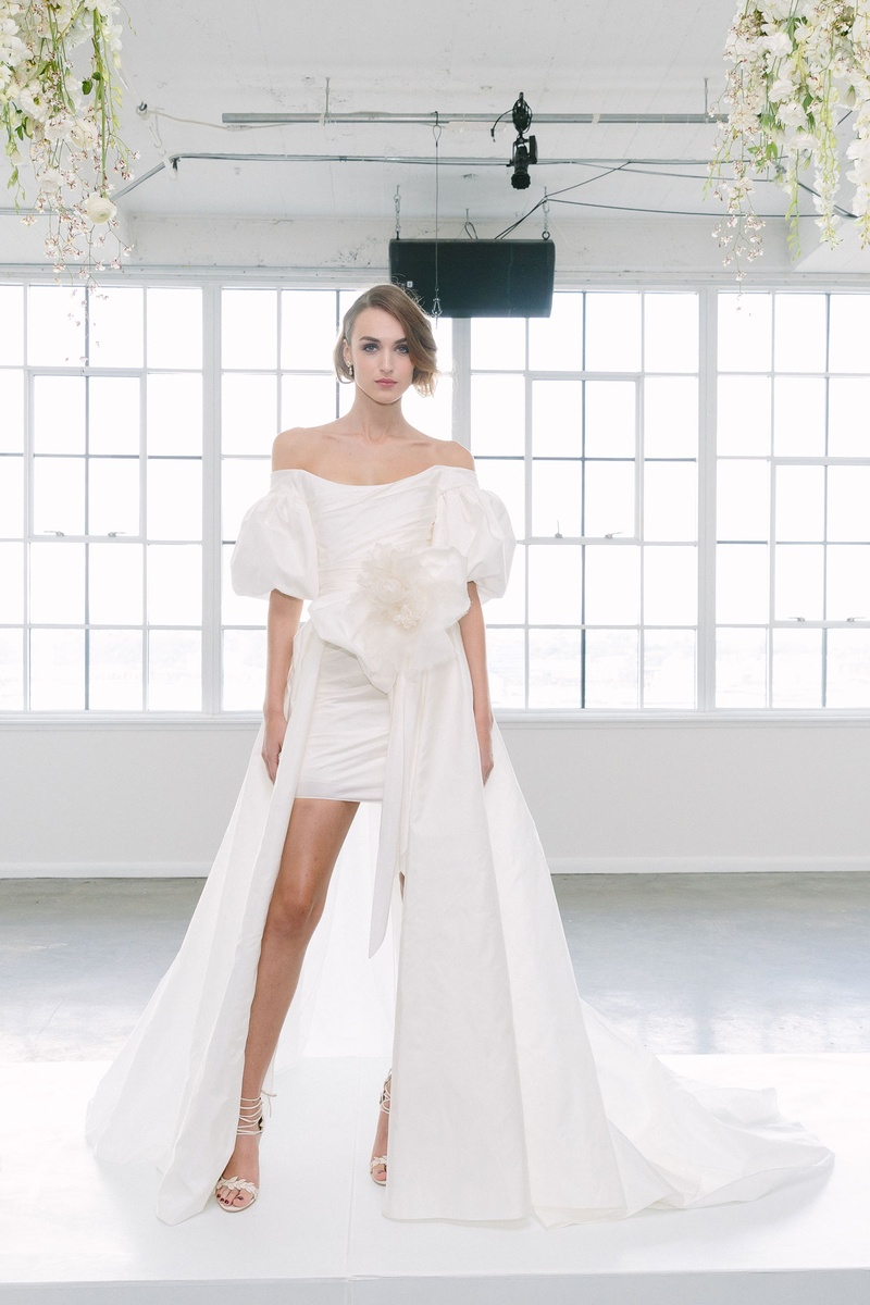 Wedding Dresses Photos - Look 5 by Marchesa Bridal FW18 - Inside ...