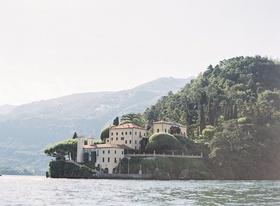 lake como wedding location villa del balbianello lake como views villa ceremony ideas
