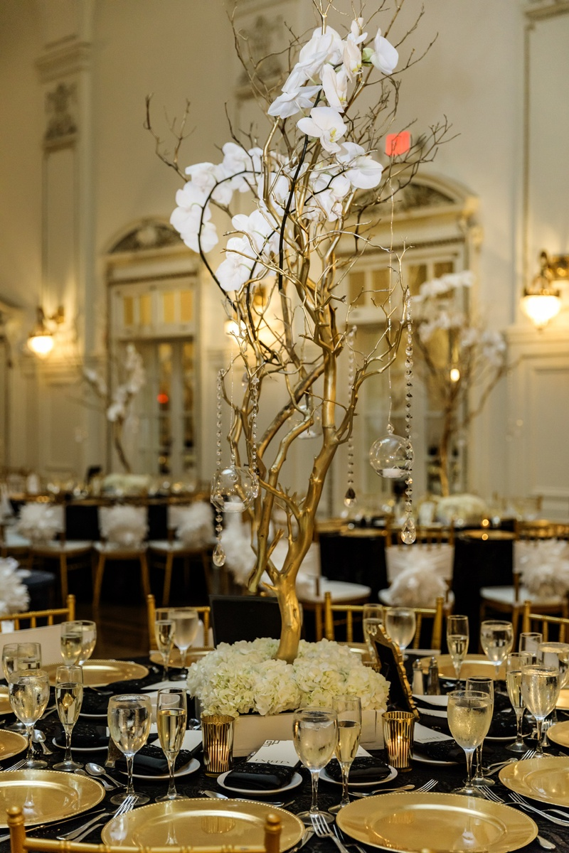 Incredible Reception Decor Photos Gold Manzanita Branches With Home Interior And Landscaping Ferensignezvosmurscom