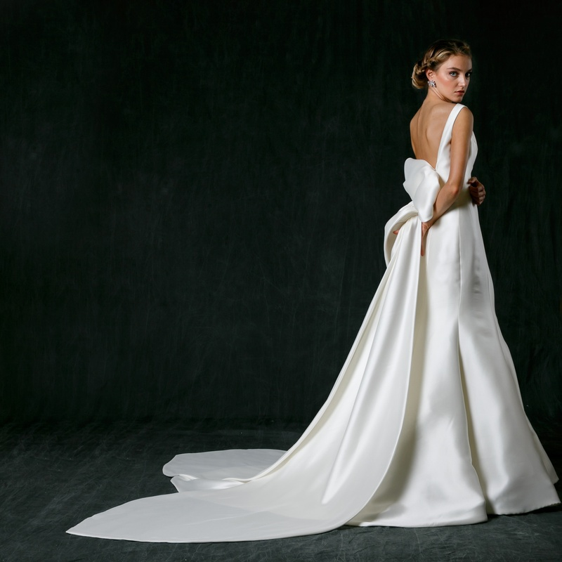 Wedding Dresses with Large Bow in Back