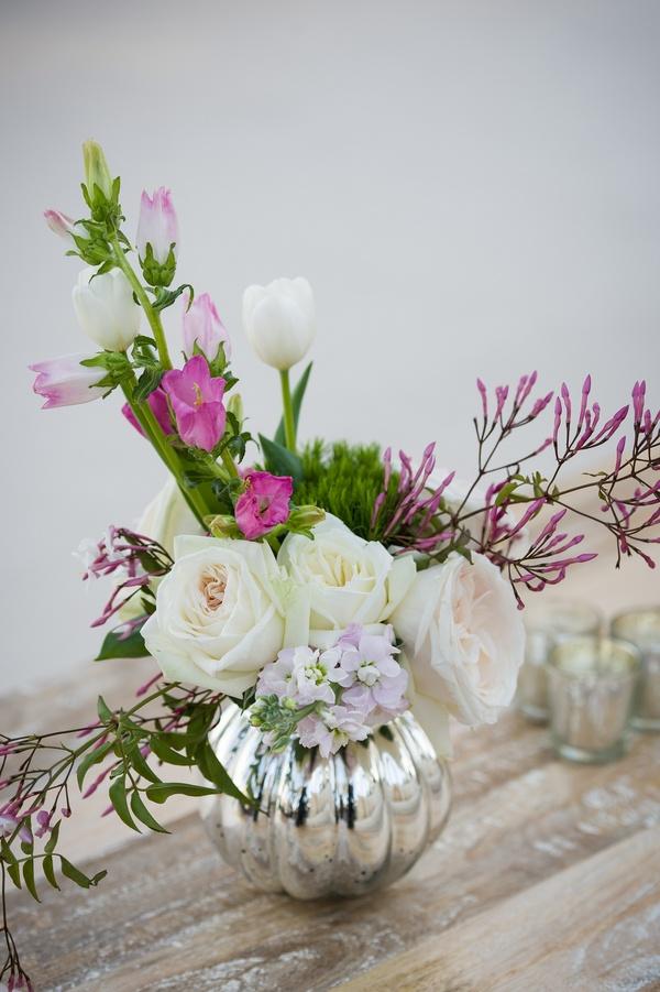 Reception Dcor Photos Romantic Floral Arrangement In Mercury