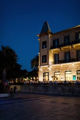 destination wedding at luxury hotel in spetses greece