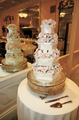Opalescent cake with sugar flowers
