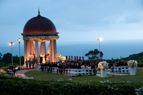 Cliffside Jewish wedding in Newport Beach