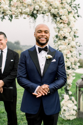 wedding ceremony face of groom when bride walks down aisle shane vereen outdoor wedding ceremony
