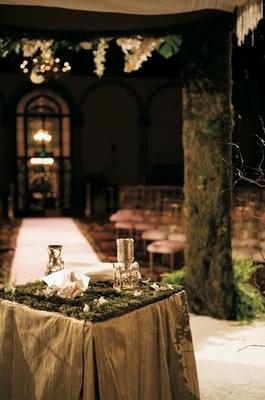 Jewish marriage ceremony décor