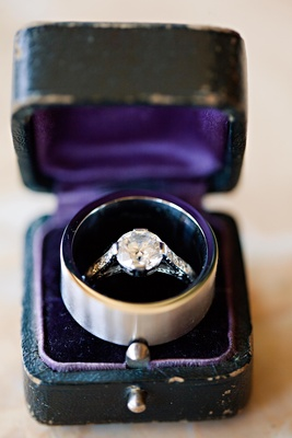 Vintage box holds wedding rings