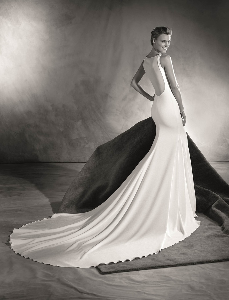 e9795092328 Atelier Pronovias 2017 Eimi wedding dress with illusion plunging low back
