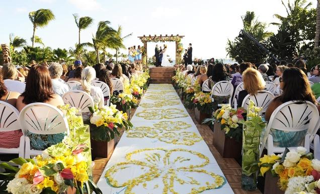 Dream Hawaiian Wedding Contest Winners' Live-TV Celebration - Inside