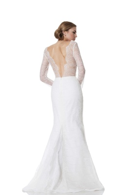 Back Of Lace Scallop V Wedding Dress Long Sleeves Bianca Olia Zavozina Fall 2016